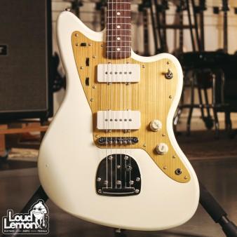 Squier J Mascis Jazzmaster Vintage White электрогитара