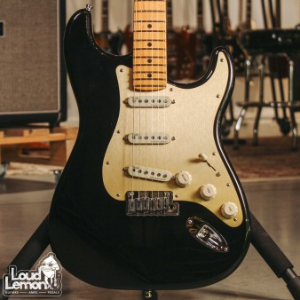 Fender American Ultra Stratocaster Texas Tea электрогитара
